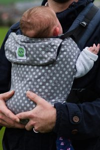 KahuBaby Carrier in Cloudy Spot