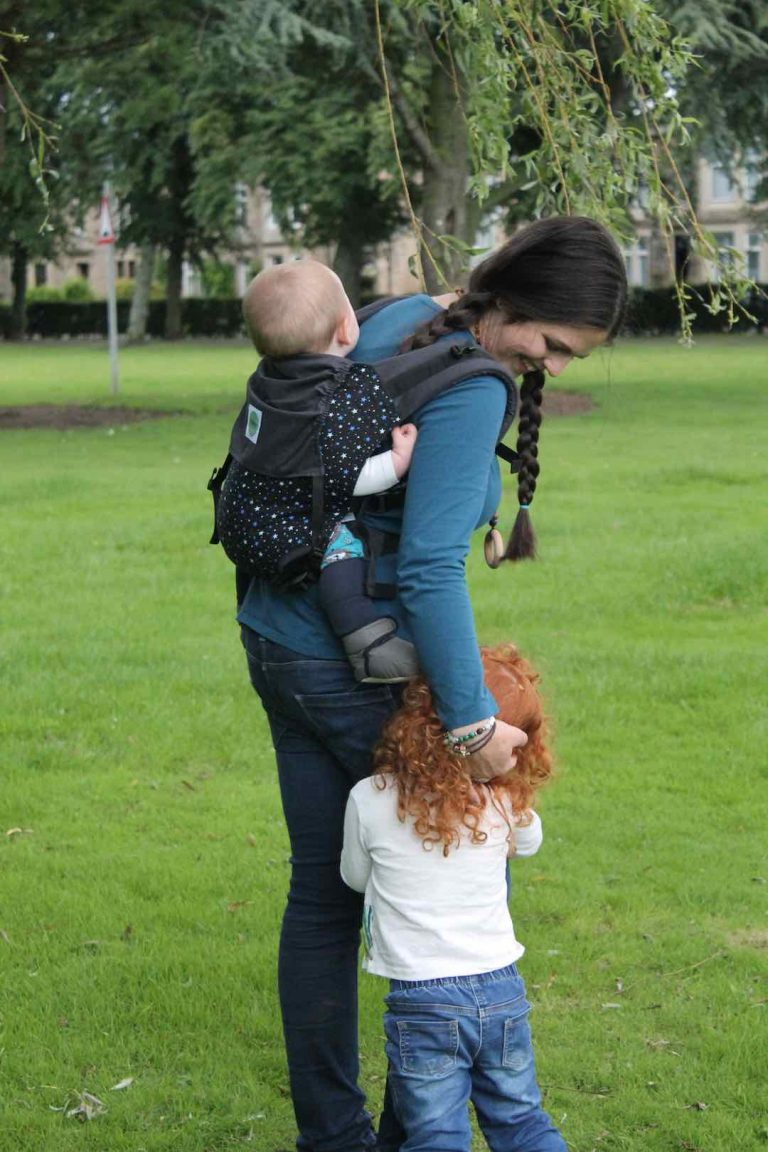 KahuBaby makes parenting and motherhood easier with our comfortable baby carriers and parenting resources.
