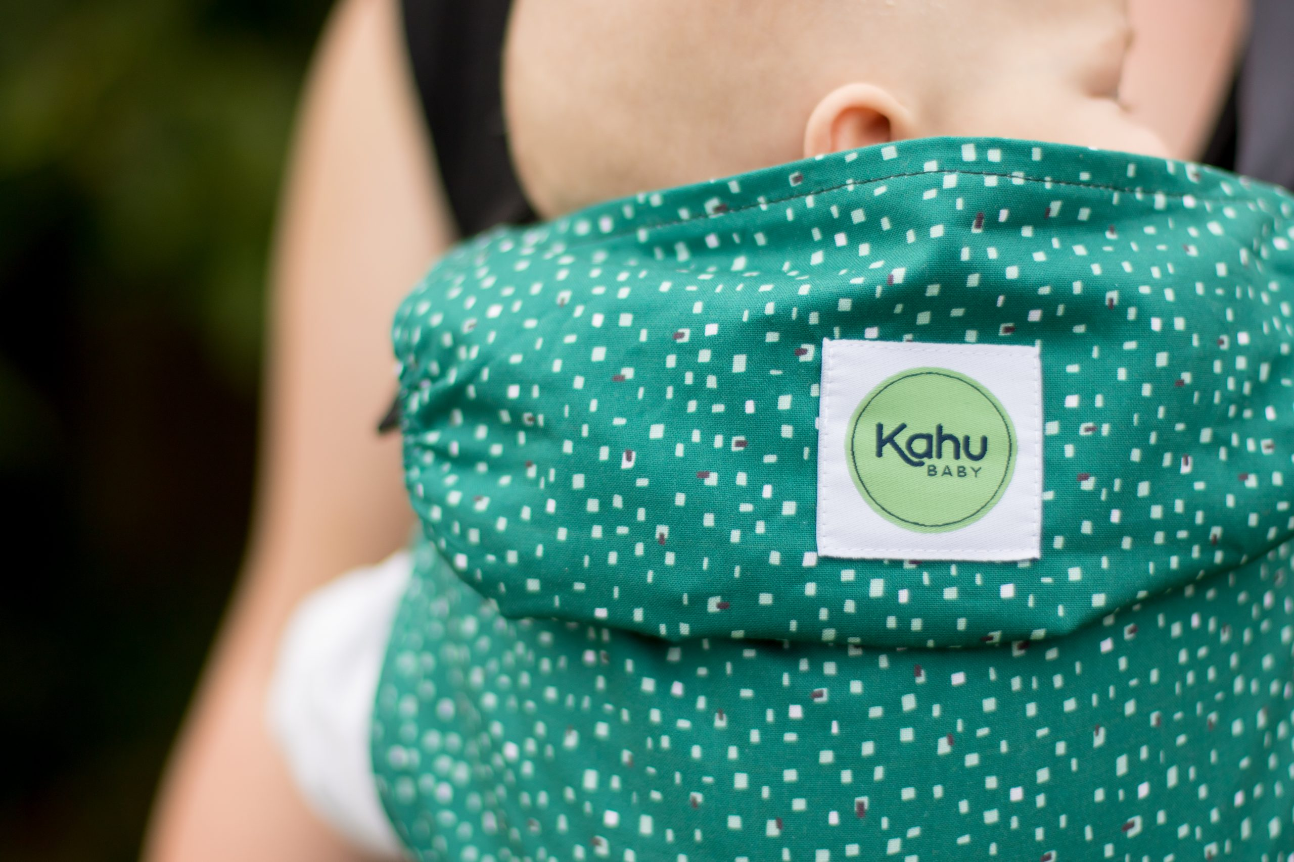 KahuBaby Carrier for simple babywearing, Pine Dash