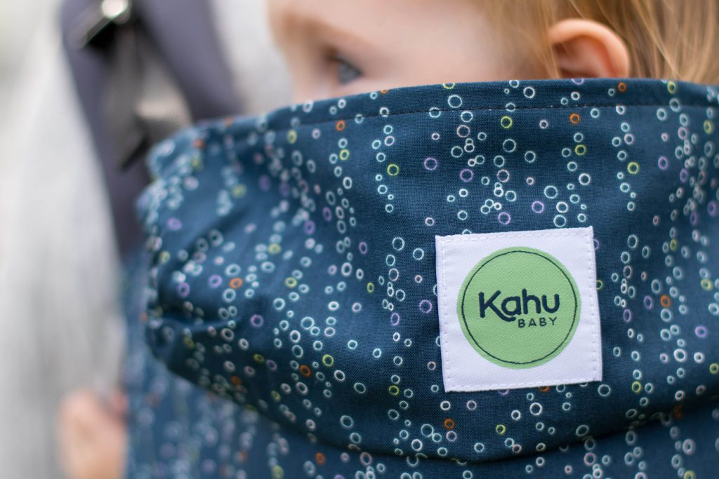 Carry your baby safely and comfortably, simple togetherness with KahuBaby